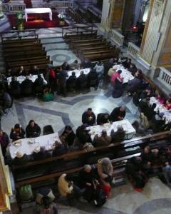 Ironía: se les da pan y se les niega la Eucaristía.